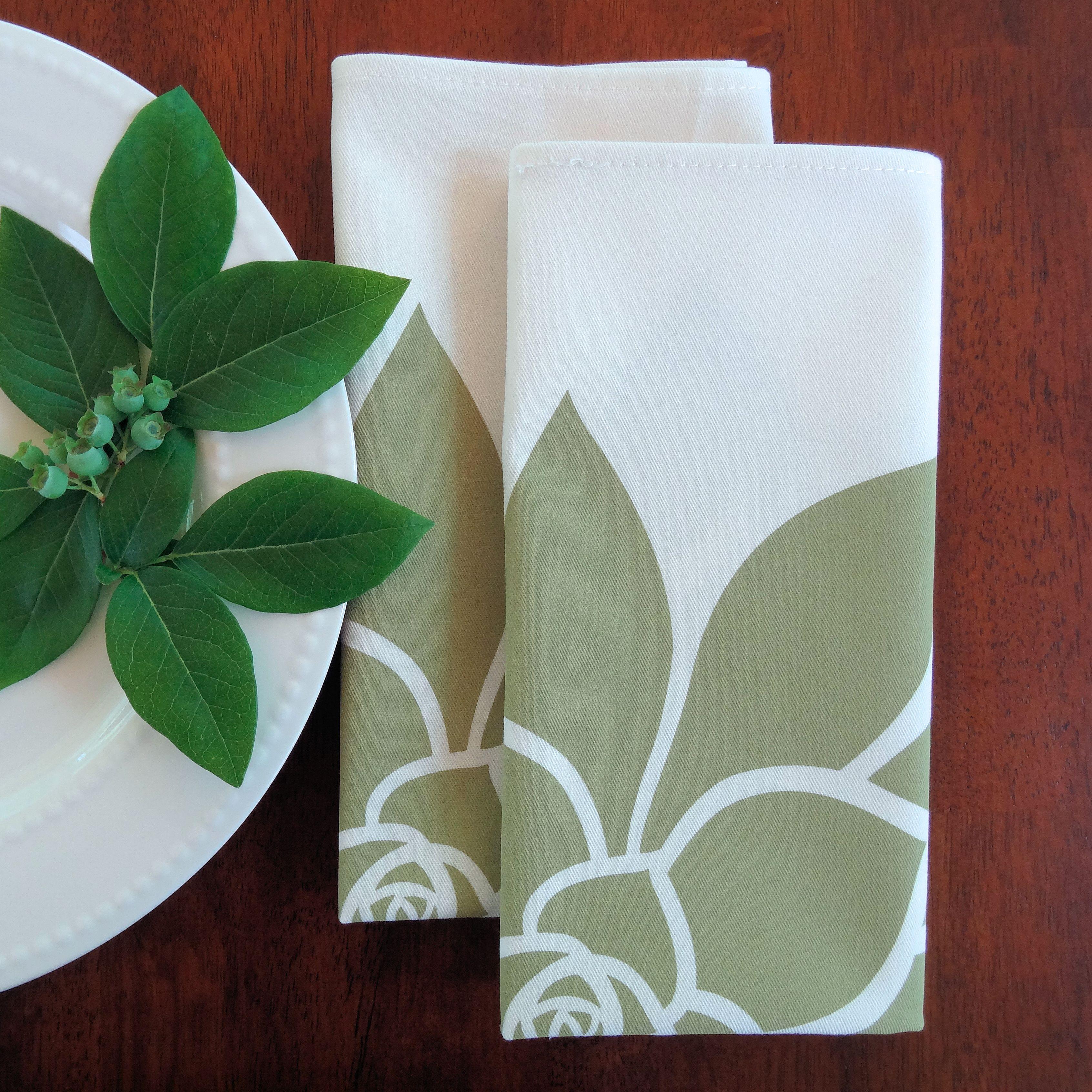 2 Green Floral Napkins
