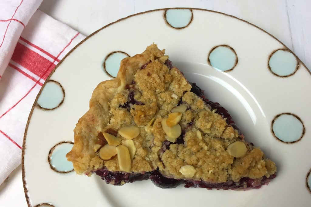 Slice of Cherry Crumb Pie b_