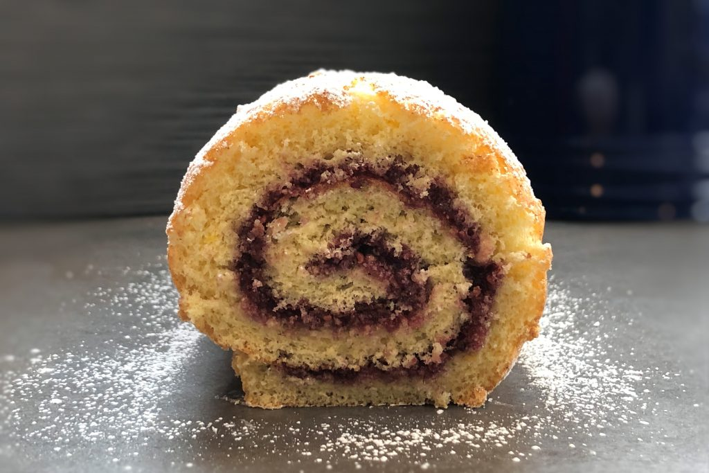 Jelly Roll Cake Recipe And Procedure: Jelly Roll Cake_0441